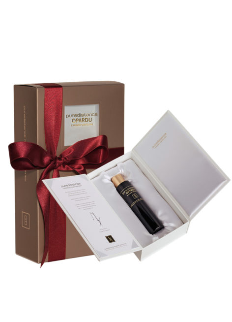 puredistance opardu perfume in white giftbox with hand-tied ribbon