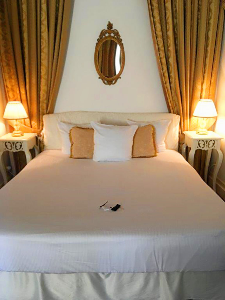 "<span style=""color: #808080;"">If we can we always host our guests in a charming hotel nearby in the special 'Puredistance Suite', with a stylish gold and white interior</span>"