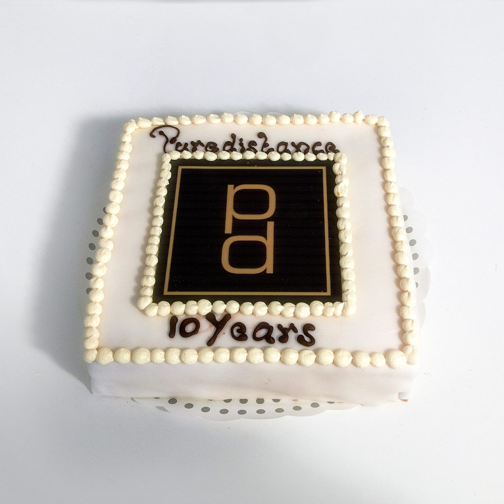 The special Puredistance 10-year Anniversary cake!