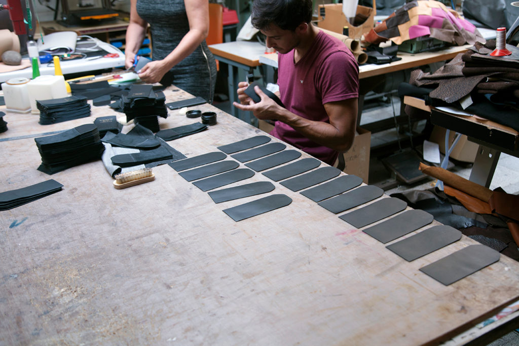 The making of Puredistance BLACK leather holders