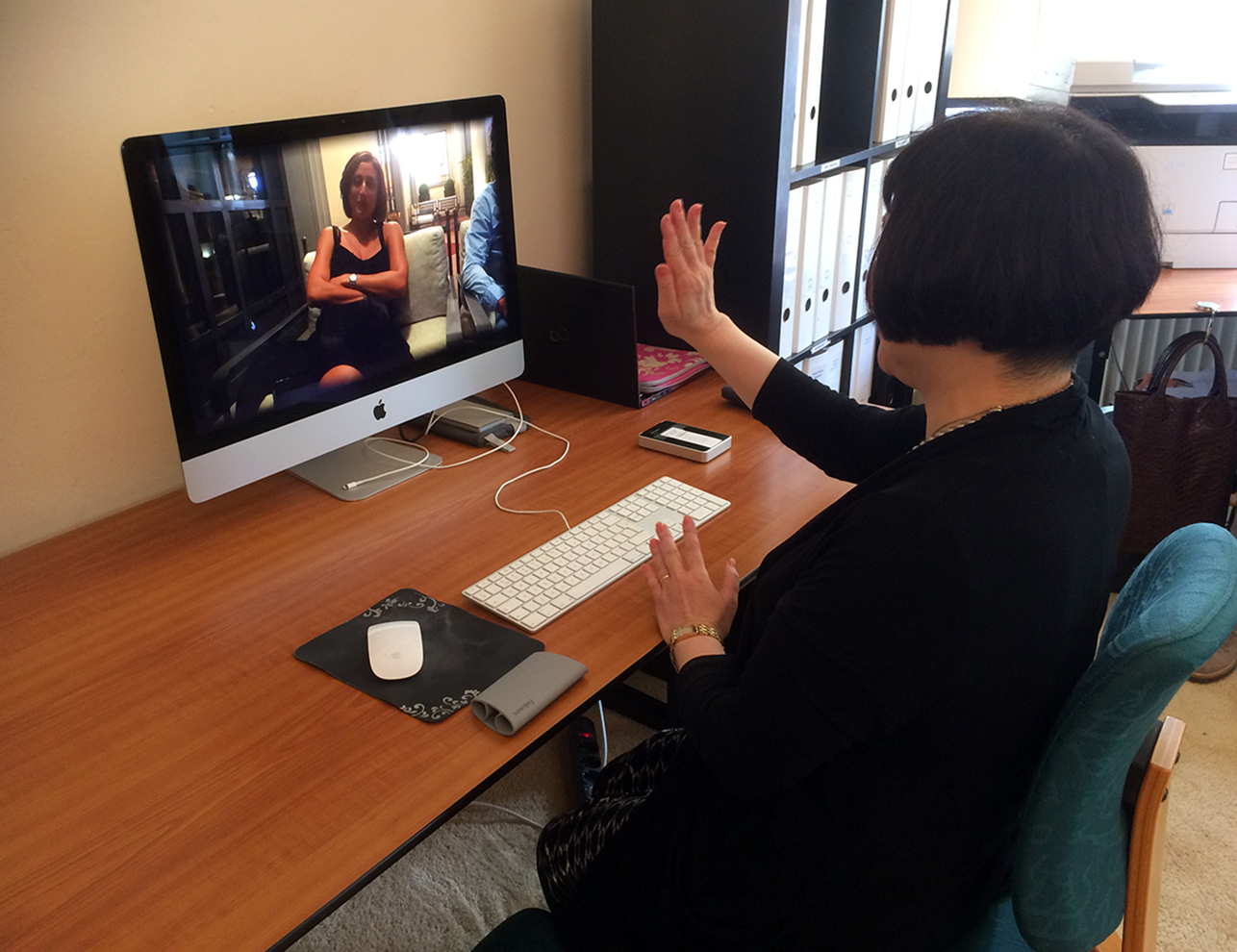 We showed Sachi a video-message which Cecile Zarokian - perfumer of Puredistance SHEIDUNA - made for Sachi while she was in Italy.